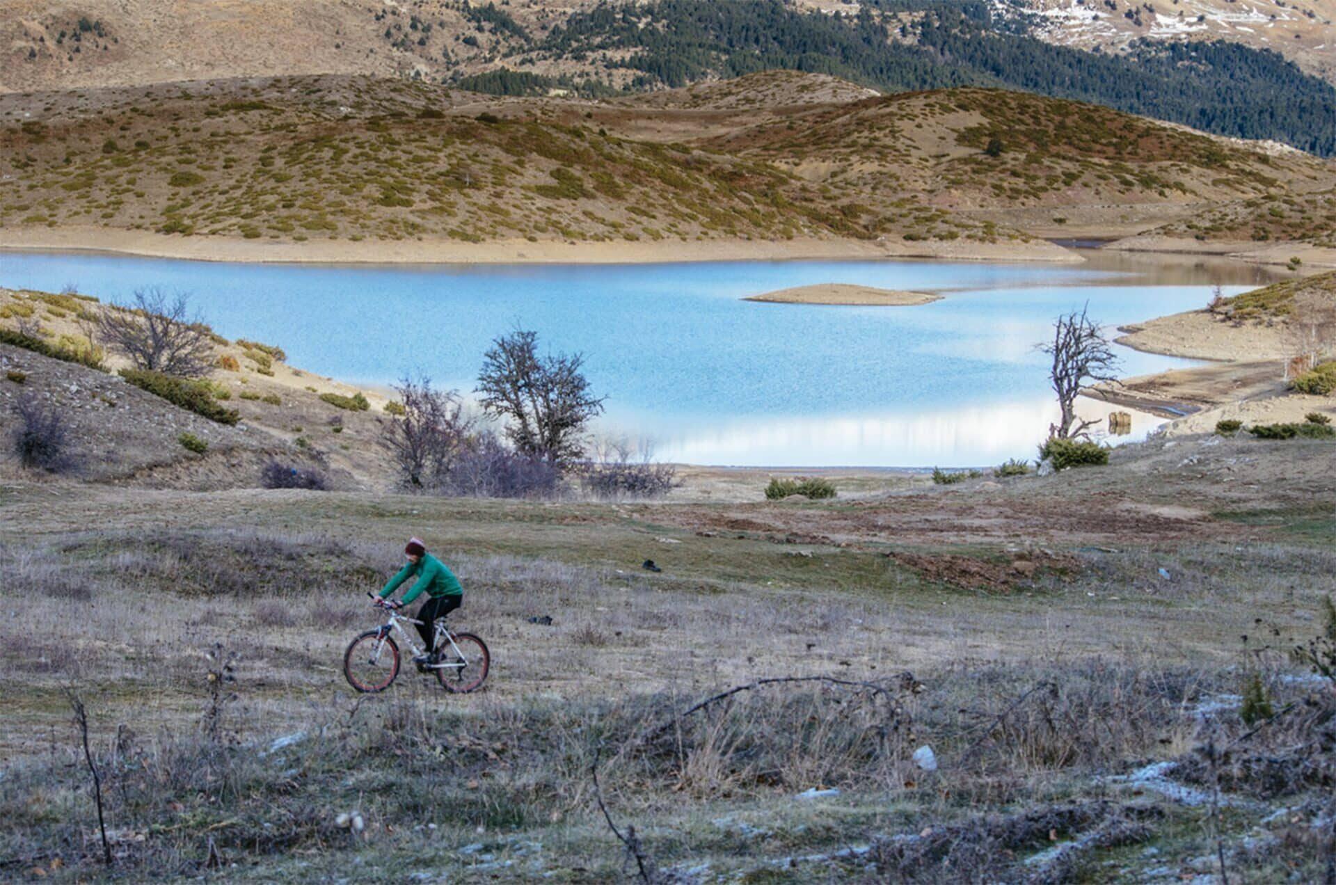 Ορεινή Ποδηλασία στη Λίμνη Πηγών Αώου